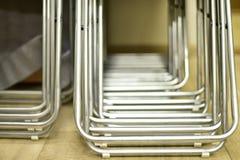Falcowanie metalu krzesła robić tubki brogować z rzędu Zdjęcie Stock