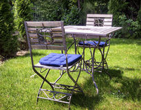 Falcowanie stół i krzesło fotografia stock