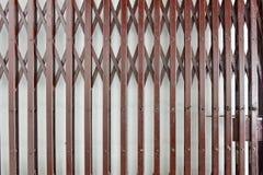 Falcowanie stali drzwi fotografia stock