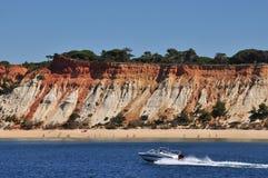 Falesia海滩,葡萄牙 免版税库存图片