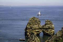 Falesia im prai der algarves Faro-Region in Portugal stockbild