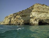 Falesias在阿尔加威在葡萄牙 欧洲 库存照片
