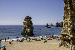 Falesias在阿尔加威在葡萄牙 欧洲 免版税库存图片