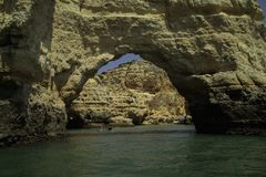 Falesias no Algarve em Portugal europa fotografia de stock