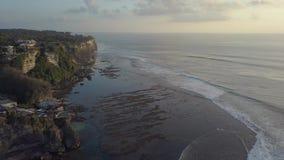 Faleza obok oceanu zbiory wideo