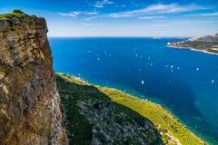 Faleza w zatoce Cote d ` Azur Zdjęcia Royalty Free