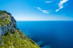 Faleza w zatoce Cote d ` Azur Zdjęcie Royalty Free