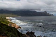 Falezy i plaże wzdłuż Nabrzeżnej drogi, Ogrodowa trasa obrazy stock