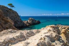 Falezy przy południowym wybrzeżem Mallorca obrazy stock