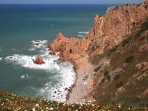 Falezy w Cabo da Roca blisko Sintra, Portugalia, kontynentalny Europe's westernmost punkt Obrazy Royalty Free