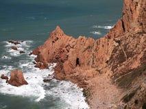 Falezy w Cabo da Roca blisko Sintra, Portugalia, kontynentalny Europe's westernmost punkt Obraz Stock