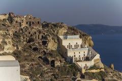 Falezy wybrzeże grodzki Oia w Santorini, Grecja Obrazy Royalty Free