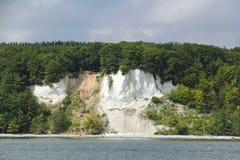 Falezy wybrzeże na wyspie Ruegen w Niemcy Fotografia Royalty Free