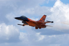 Falk för stridighet F-16 Arkivfoton