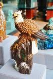 Falke _keramische Skulptur Stockfoto