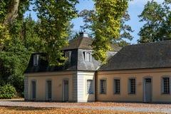 Falkenlust宫殿Falkenlust宫殿是在Brà ¼百升,北莱茵-威斯特伐利亚州的一个历史大厦区 图库摄影