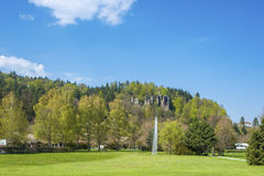 Falkenstein岩石的看法在巴德黑雷纳尔布 库存照片