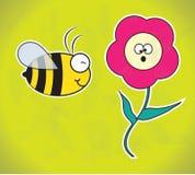 Fall av biet och blomman Arkivbild