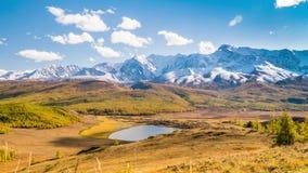 Fall in Berge Landschaftspanorama stock video