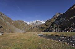 Fall in die Alpen, ahrntal ITALIEN lizenzfreies stockfoto