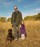 Fall-Familien-Spaß stockfoto