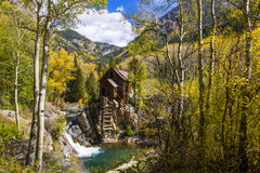 Fall-Farben bei historischem Crystal Mill Lizenzfreies Stockfoto