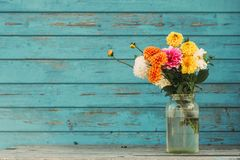 Free Fall Flowers In Glass Jar Royalty Free Stock Photo - 158015825