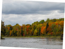 Fall on the lake shore Royalty Free Stock Photography