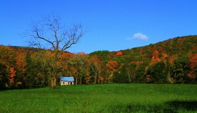 Fall Mountain Ridge Surrounding Old School House Royalty Free Stock Photos