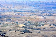 Fall-Weinberge Paso Robles angesehen von einem Flugzeug - erstaunliche Herbstfarben Stockbild