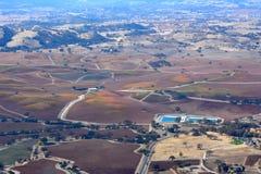 Fall-Weinberge Paso Robles angesehen von einem Flugzeug - erstaunliche Herbstfarben Stockbilder