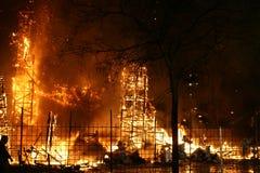 Falla ardiendo en Valencia. Fuego. Fotografía de archivo libre de regalías