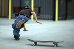 falla av skateboardungdom Arkivfoto