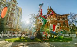 Falla en centro de ciudad durante el festival nacional de Fallas Valencia, España, el 16 de marzo de 2018 imagen de archivo