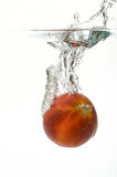 fallande nektarinvatten arkivbilder