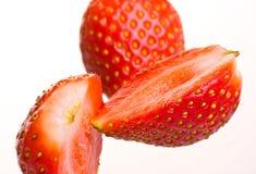 fallande ny jordgubbe Royaltyfria Foton
