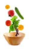 fallande nya grönsaker Fotografering för Bildbyråer
