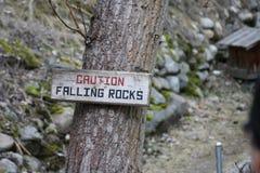 fallande rocks Arkivfoton