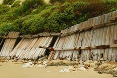 fallande staket för strand Arkivfoto