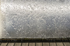 fallande vatten Arkivfoto