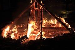 Fallas brennende Abbildungen des fest Feuers in Valencia Spanien Stockbilder