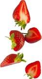 Fallende Erdbeeren Lizenzfreie Stockbilder