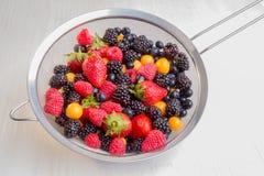 Fallende Frucht getrennt Stockfotografie