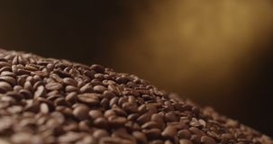 Fallende Tischplatte des Kaffees stock video