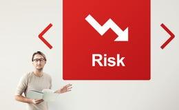 Fallendes Pfeil-Finanzikonen-Wort-Konzept Lizenzfreies Stockbild