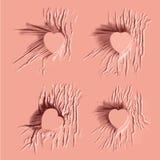 Fallengelassener rosa Farbstoff auf Herzzeichen Stockfoto