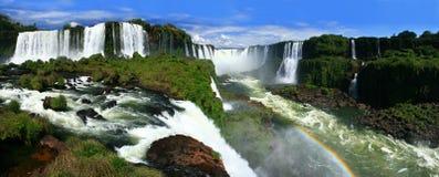 faller den panorama- iguazuen Royaltyfria Bilder