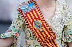 Falleras-Kleid traditionell mit Blumen, Spanien, Valencia Mode fallas Festival in Valencia lizenzfreies stockbild