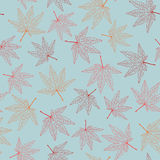 Fallhintergrund mit Ahornblättern Nahtloses Muster Stockfoto