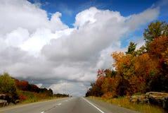 fallhuvudväg arkivfoto